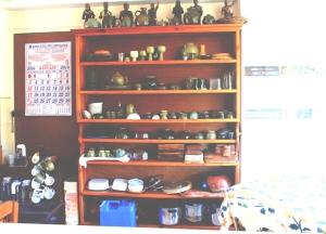 Inandako's-Sagada-Dining-Area-Pottery