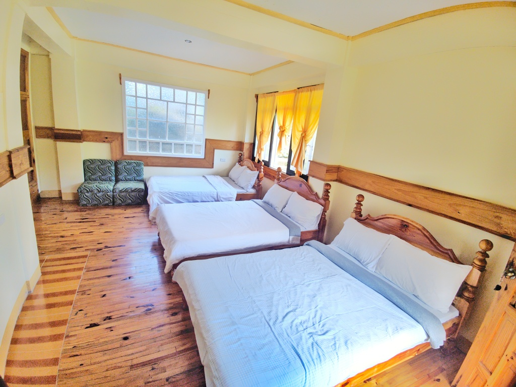 Rooms at Inandako's Sagada. Room for 6 pax.